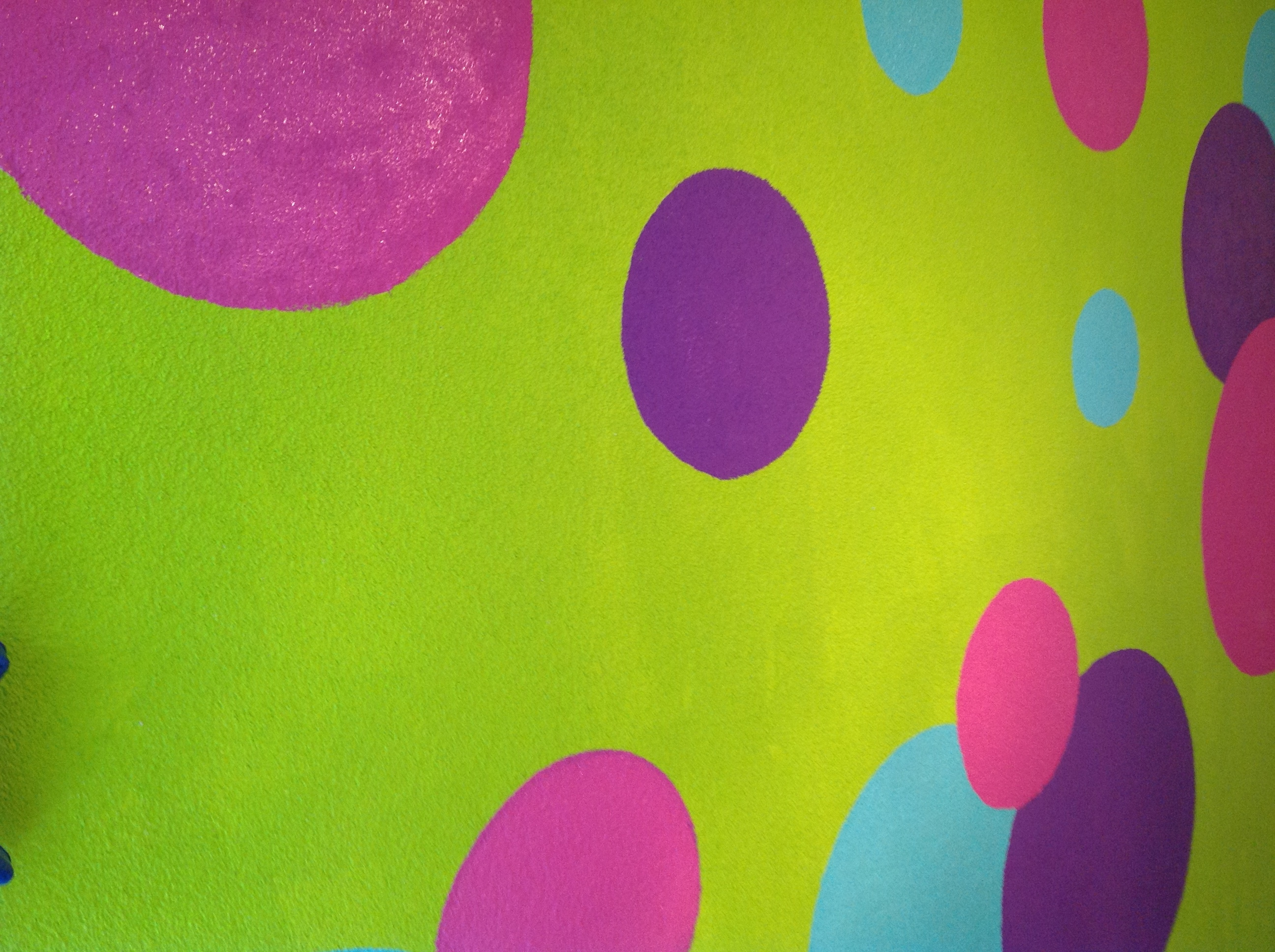 Coloured wall