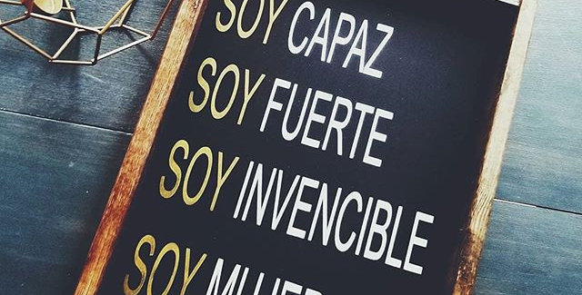 Soy Mujer Wood Sign