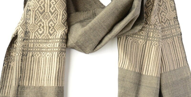 Tuyen Patterned Scarf - Grey