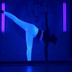 Hot Luminous Glow Yoga