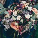 Ramo de flores para entregar en Valencia, Ramos modernos realizados con las mejores flores del mercado, hortensias, peonias, azucenas, rosas.