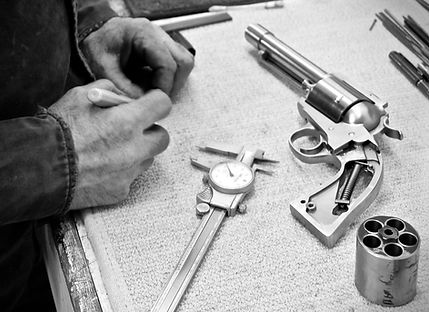 john linebaugh, custom gunmaker,  stainless steel grip frame, big bore hand guns, revolver cylinder, big bore revolver, .500 caliber