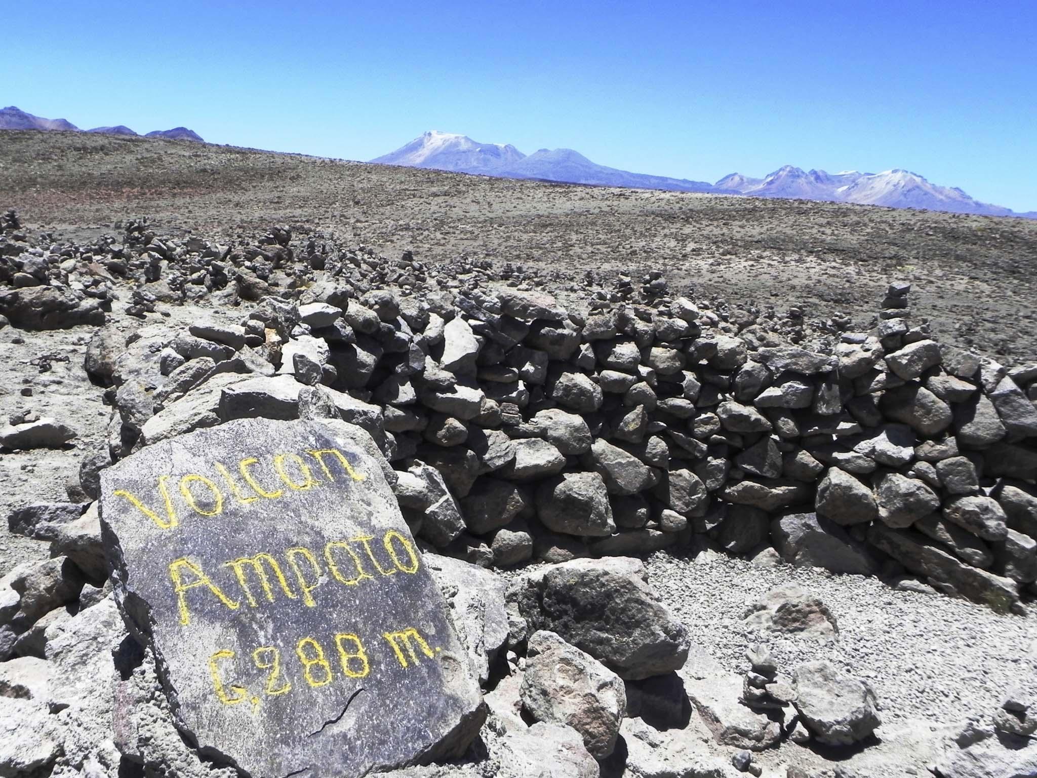 Vulcão Ampato