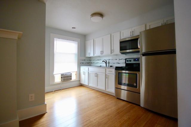 117-2  Huge  Sunny Kitchen.jpeg
