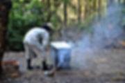 ミツバチを巣から遠ざける zushihoney はやし養蜂
