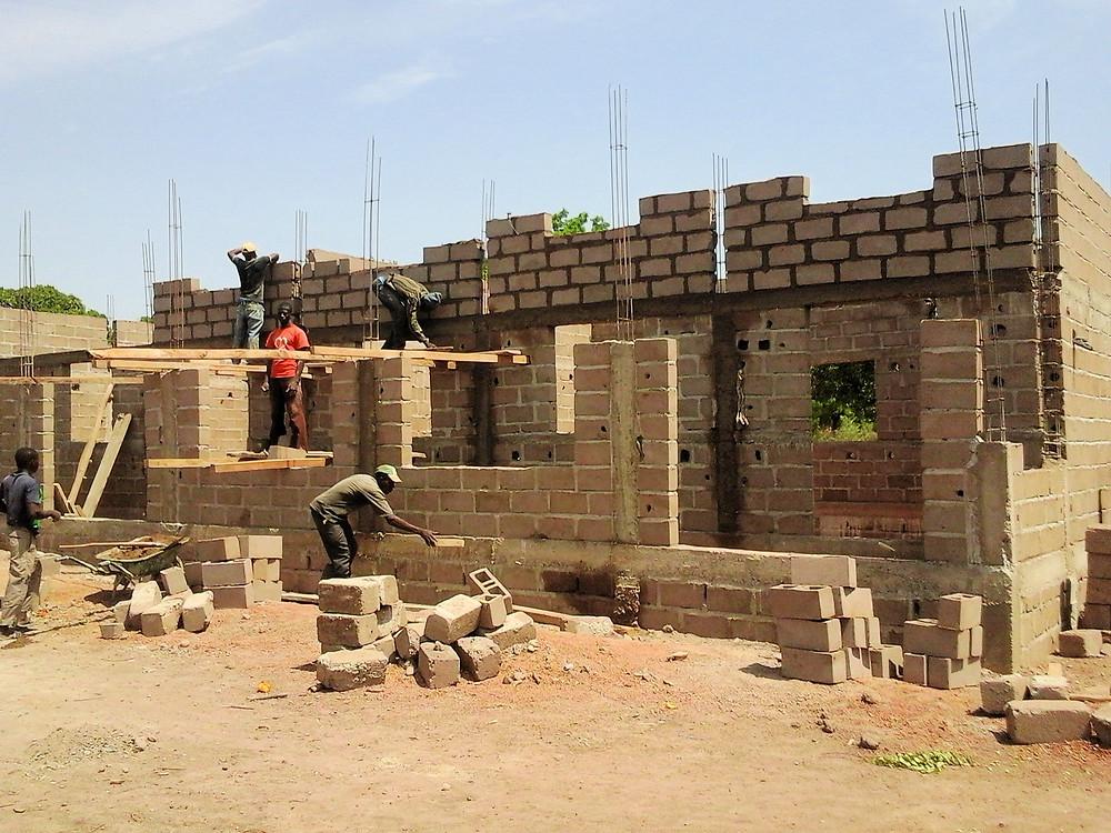 La construcción de la escuela avanza a buen ritmo