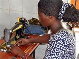 Un grupo de mujeres de Mali podrán tener un empleo y con ello la dignidad e igualdad que se merecen gracias a este proyecto de Ecos de Mali.
