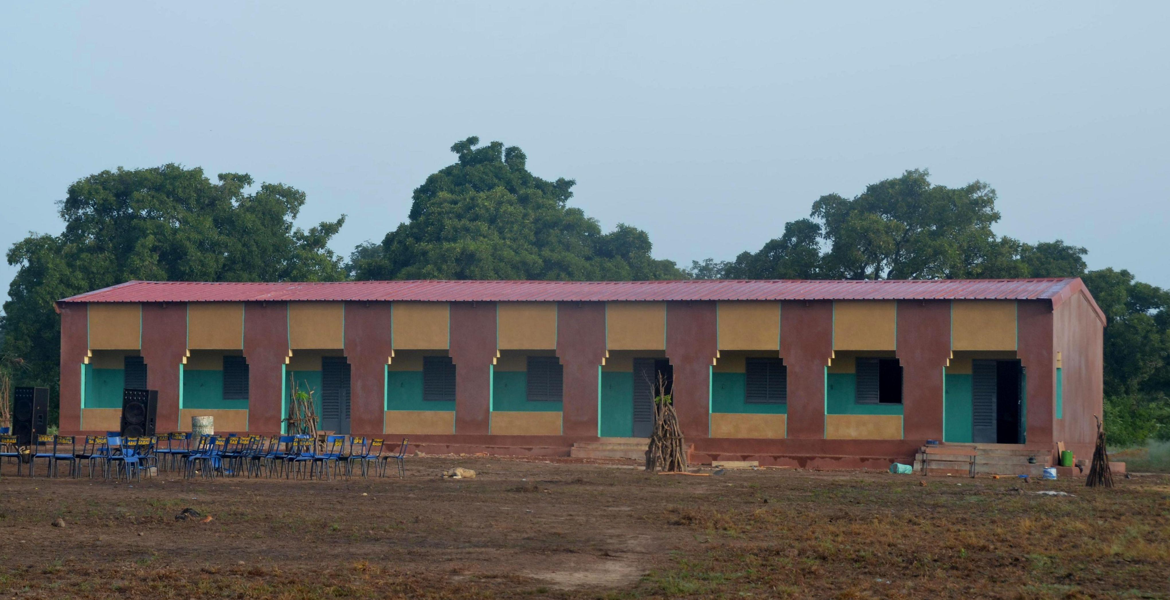 Inauguración de la escuela