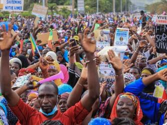 Hay gobierno provisional en Mali, aunque la inestabilidad continúa