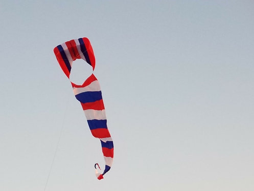 Z foil 3x4m  Red white and blue with tail