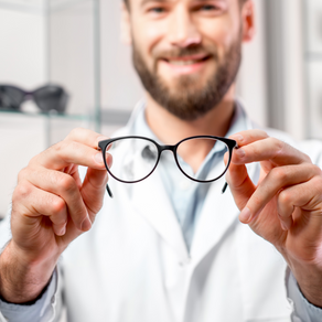 3 Great Reasons To Buy Your Next Pair Of Glasses From a Local Nanaimo Optician (Instead of Online!)