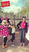 Miriam Llwyd yn Disneyland_Thumbnail.jpg