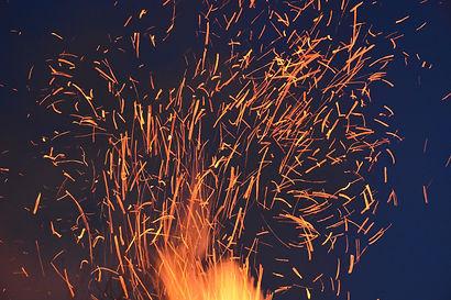 abstract-art-blaze-bonfire-266526.jpg