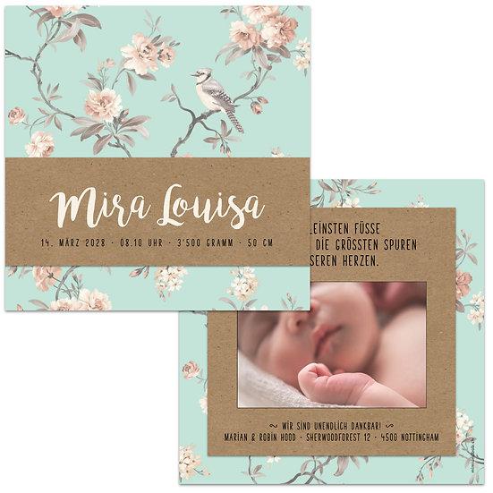 Geburtskarte Babykarte mit Name in handlettering auf Kraftpapier Vintage Hintergrund rosa Blume und Vogel