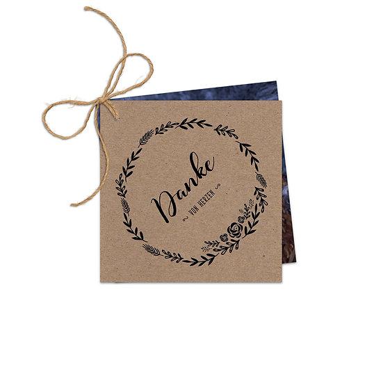 Dankeskarte Geburt Kranz Kraftpapier mit Fotokarte und Juteschnur zusammengebunden