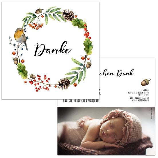 Dankeskarte Geburt herbstlich Herbstblätter Kranz mit Rotkehlchen Eichelnüsse Tannenzapfen Beeren