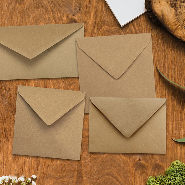 Couverts aus Kraftpapier