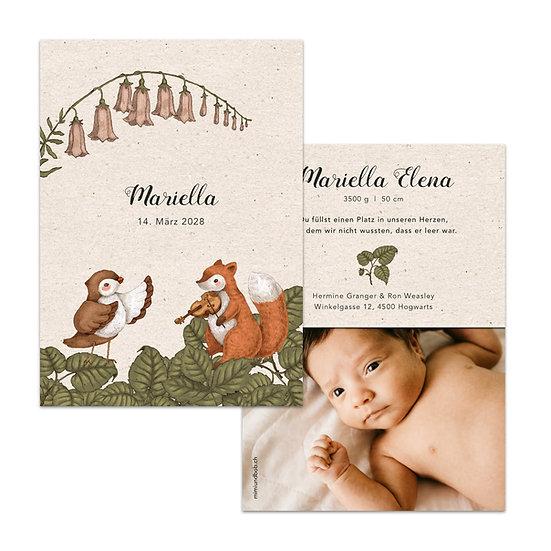 Geburtskarte Babykarte Kraftpapier im rustic Cottage garden vintage stil mit Vogel singend und Eichhörnchen mit geige