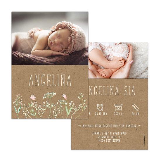 Geburtskarte Babykarte Kraftpapier im Cottage Vintage Scandi Cottage Stil und rosa Blumen