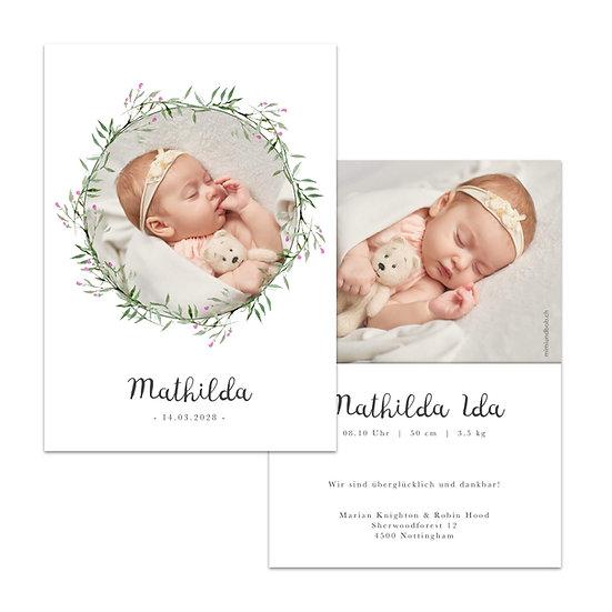 Geburtskarte Babykarte im scandi Cottage garden vintage boho stil mit kranz foto in blätterkranz