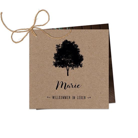 Geburtskarte Babykarte echtes Muskatpapier Kraftpapier mit Baum und Handlettering Fotokarte zwei Karten mit Schnur