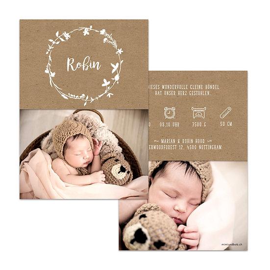 Geburtskarte Babykarte mit Kraftpapier im rustic Cottage stil mit vintage Blumenkranz und Handlettering weisse Schrift