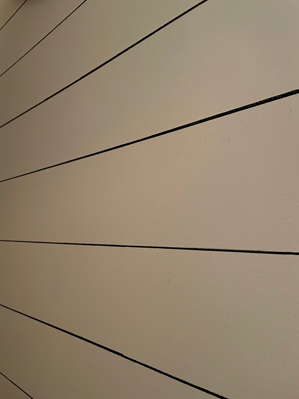Image of Sharpie Shiplap at an angle showing real glance