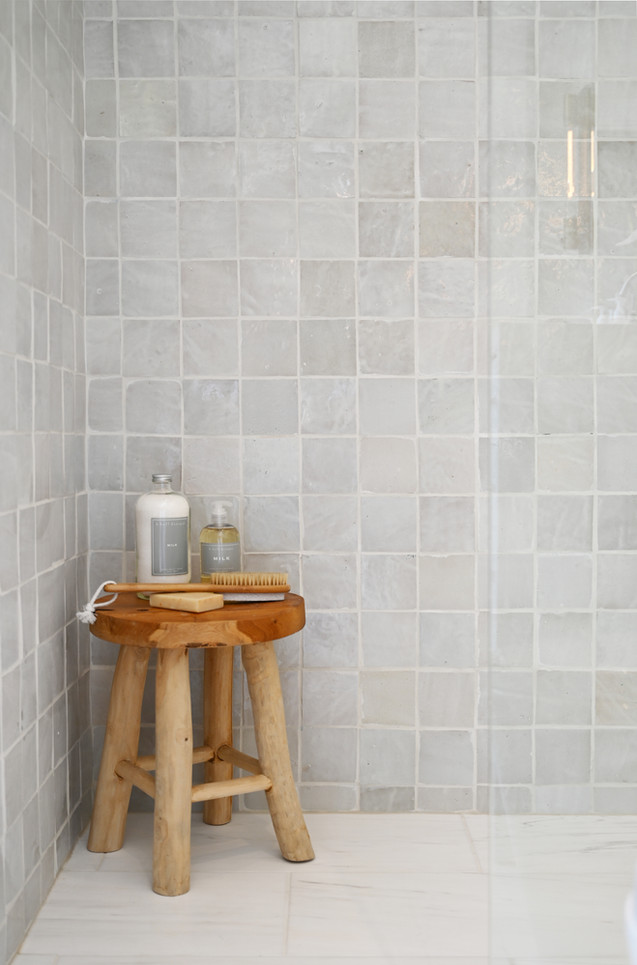 KimberlyCzornodolskyj_Botfield_Shower.jp