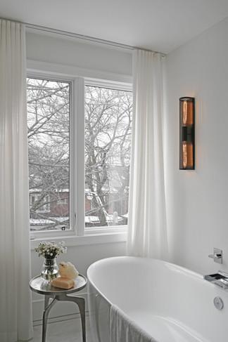 Master Bathroom3 (Bath, Light ON) - Fina