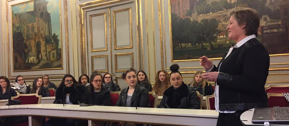 Des Rhétos Liègeois au Palais provincial de Namur