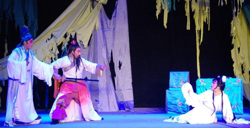 Lever de rideau sur le XIème Festival International de Théâtre d'Amateurs