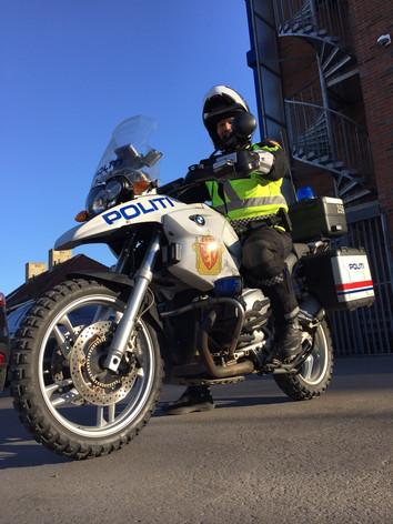 Vi har besøkt politiets trafikkorps og motorsykkelelite - og de har mange gode råd