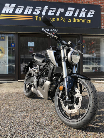 "Nye Honda CB 125 R En  ""full size A1 head-twister"""