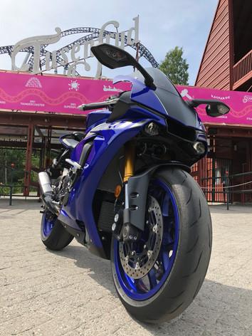 Yamaha R1 - Tusenfryd på to hjul