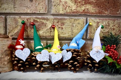 Christmas: Pinecone Ornaments