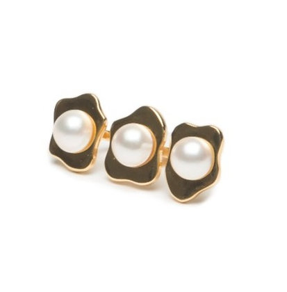 MULTI FINGER PEARL OEUF RING