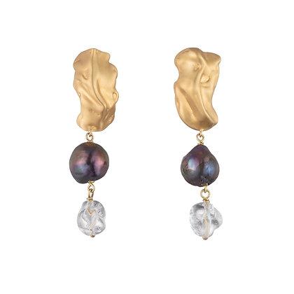 Black Pearl Molten Stud Earrings | Gold
