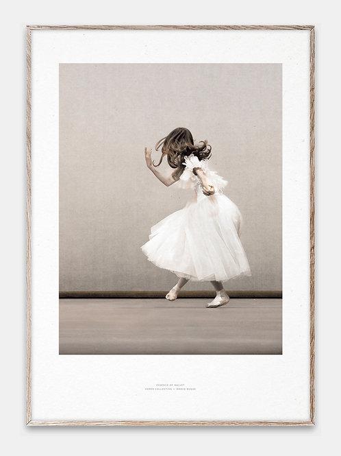 Paper Collective Poster Ballet Braun Beige Bilderrahmen Eiche