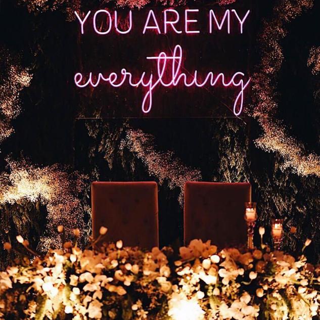 Wedding Neons! Felices de formar parte del día más importante de tu vida.