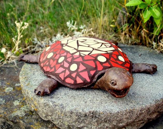 keramická želva s mozaikou
