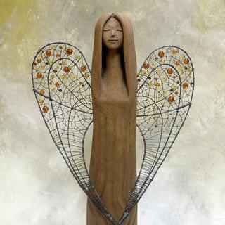 anděl s drátěnými křídly