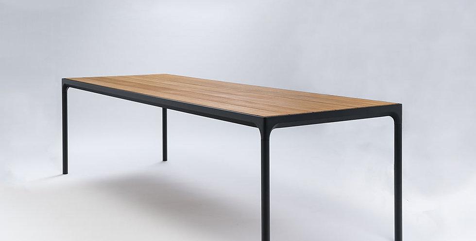 Houe Four tafel