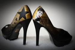 personalizzazione su scarpa da donna