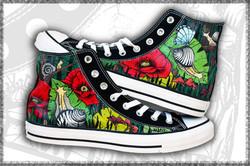 scarpe converse nere dipinte
