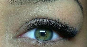 ecuabella-hybrid-lashes.jpg