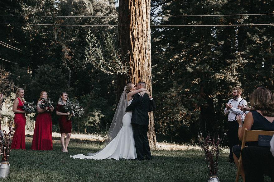 henrik ibsen park redwoods wedding bride and groom kiss