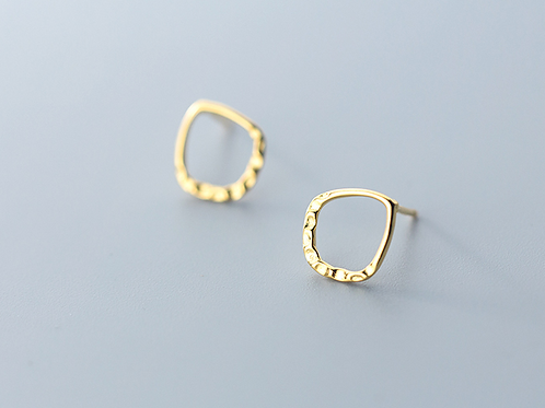 Sterling SilverTextured Oval Gold Plated Earring