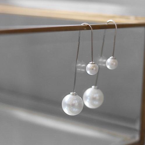 Double pearl looped earring