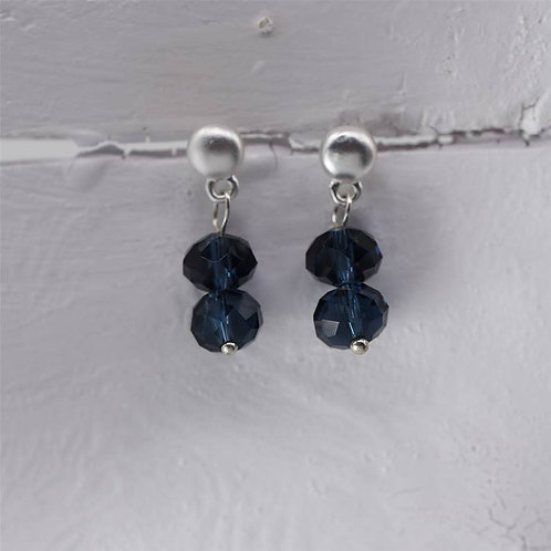 Delicate beaded drop earring - silver and blue