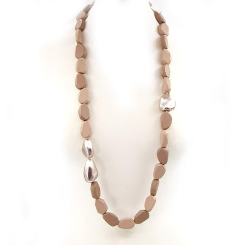 Long wooden beaded necklace with metallic accents - Beige